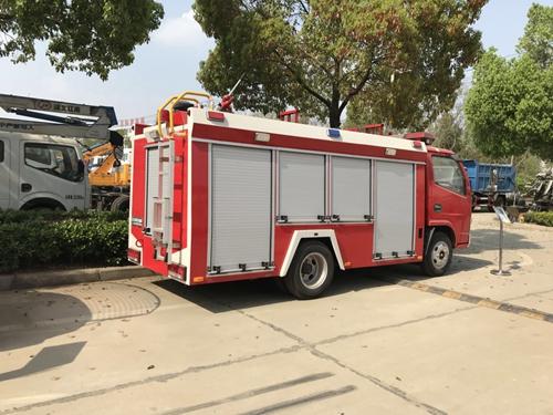 国五东风单排1吨水罐消防车
